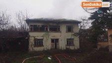 Düzce'de Kullanılmayan Metruk Binada Yangın