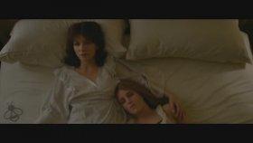 Catherine Zeta Jones yeni filminde çok cesur..