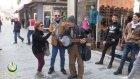 Taksim'i Çoşturan Sokak Sanatçısı?