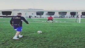Wesley Sneijder'in Penaltısında Bülent Serttaş Devleşti