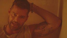 Ricky Martin - Fiebre (ft. Wisin, Yandel)