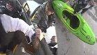 Otobüse Kanoyla Binmek İsteyen Çift İle Şoför Arasında Yumruklu Kavga