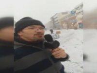 Sokakta Mikrofonla Kar Sevinci - Edirne