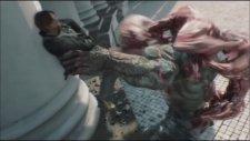 Resident Evil Damnation - Tyrant vs Licker