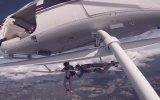 Cliffhanger Helikopter Sahnesini Canlandıran Çift  ABD