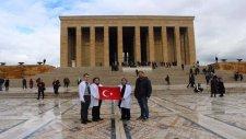 41 İlden 450 Doktor İstiklal Marşı'nı Seslendirdi