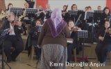 Antalya Devlet Senfoni Orkestrasını Yöneten Münevver Teyze