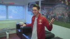 Asist Kralı Mesut Özil'e Arsenal'dan Eğlenceli Paylaşım