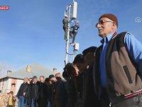 Baz İstasyonu Kurulmasını Halay Çekerek Kutlayan Yurdum İnsanları