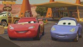 Cars 2 / Arabalar 2 - Şimşek Mekkuin'nin Yarış Sahnesi