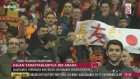 Galatasaray İdmanında 6 İşareti Yapan Taraftar