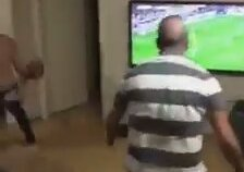 Galatasarayın Kaçırdığı Gol Sonrası Kendinden Geçen Aile