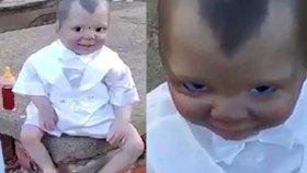 Mezarlıkta Bulunan Oyuncak Bebek Korku Saçtı