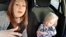 Down Sendromlu Çocukların Anneleri ile Kareoke Yapması