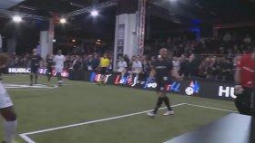 Usain Bolt'tan iki gol, bir asist!