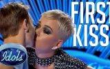 Yarışmacıyı Kandırıp Dudağından Öpen Katy Perry Ölümsüzlük