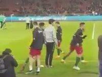 Beşiktaş Taraftarının Ronaldo'ya Come To Beşiktaş Çağrısı Yapması