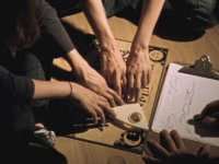 Ouija Tahtasıyla Dalga Geçen Kızın Hazin Sonu