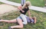 Çocuk Parkında Acımasız Kız Kavgası