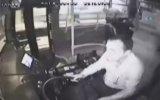 Otobüs Şoförünün Boğazına Bıçak Dayayan Yolcu  Hatay