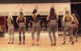 Yırtıcı Kadınların Zumba Performansı