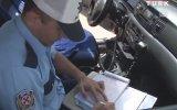Aracını Bağladığı Aileye Kendi Aracını Veren Trafik Polisi
