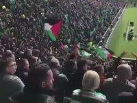 Filistin Bayrakları Açan Celtic Taraftarları