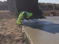 Kepçe İle Çimento Düzeltmek