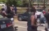 Siyahi Gencin Onlarca Yumruk Yiyip Ayakta Kalmayı Başarması