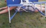 Piknik Masasını İkiye Bölen Hatun