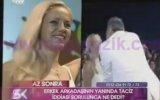 Sahnede Evli Kadını Dudaktan Öpen Mehmet Ali Erbil