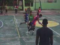 Tek Koluyla Durdurulamayan Çocuktan Muhteşem Basket