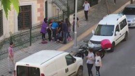 İstanbul'da Genç Kızlar Saç Saça Baş Başa Kavga Etti