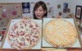 Tek Oturuşta 6 Kg Pizza Yiyen Japon Kız 9200 Kalori