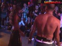 Oryantal Didem ile Dansta Kapışan Adam
