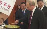 Çin Usulü Mantı ve Krep Yapan Putin