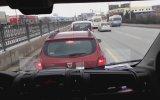 Minibüse Makas Atan Elemanın Sonu Manita Yanında Dayak Keyfi