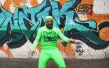 Yeşil Uzaylı Dansı  Bana mı Yürüyon  Armağan Aslan