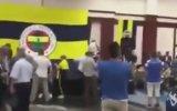 Fenerbahçe'nin Bayramlaşma Töreninde Galatasaray Marşı Çalınması