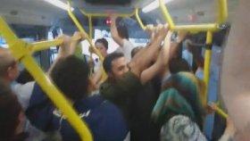 Minibüste Yolcu Kadın ile Şoför Arasındaki Gülümseten Diyalog