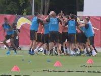 Belçikalı Futbolculardan Kafa Şov