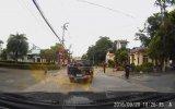 Kamyon Şoförünün Kapkaççıları Yere Düşürmesi