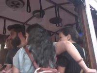 Nostaljik Tramvayda Ayağa Basma Kavgası