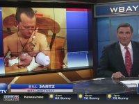 Bebeğini Emziren Adam - ABD