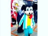 Horon ile Coşan Mickey Mouse
