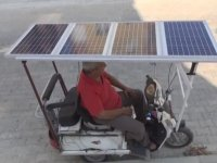 Güneş Enerjisiyle Çalışan Motorlu Bisiklet Üreten Emekli Memur