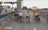 Tekne İçin Durdurulan Bisikletli Kadınlar