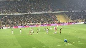 Fenerbahçe Beşiktaş Maçında Ersun Yanal Tezahüratı