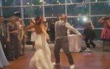 Çiftlerin Düğün Danslarıyla Misafirlerine Keyifli Anlar Sunması