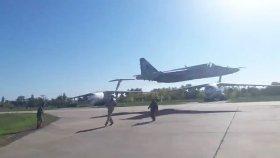 Ukraynalı Pilotların Devam Eden Alçaktan Uçuş Trendi